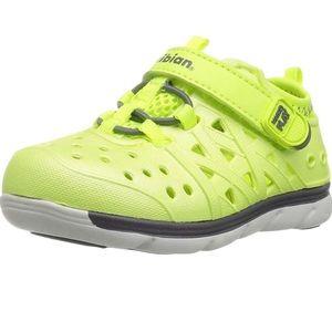 Stride Rite Phibian Citron 11 M Boys Shoes